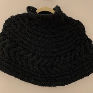 United Colors Of Benetton Jackets & Coats - United Colors of Benetton black shirt knit poncho